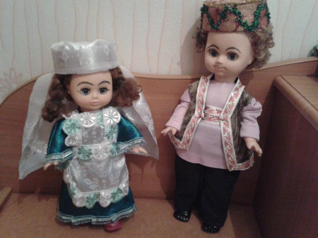 Игровая и интерьерная кукла в национальном костюме