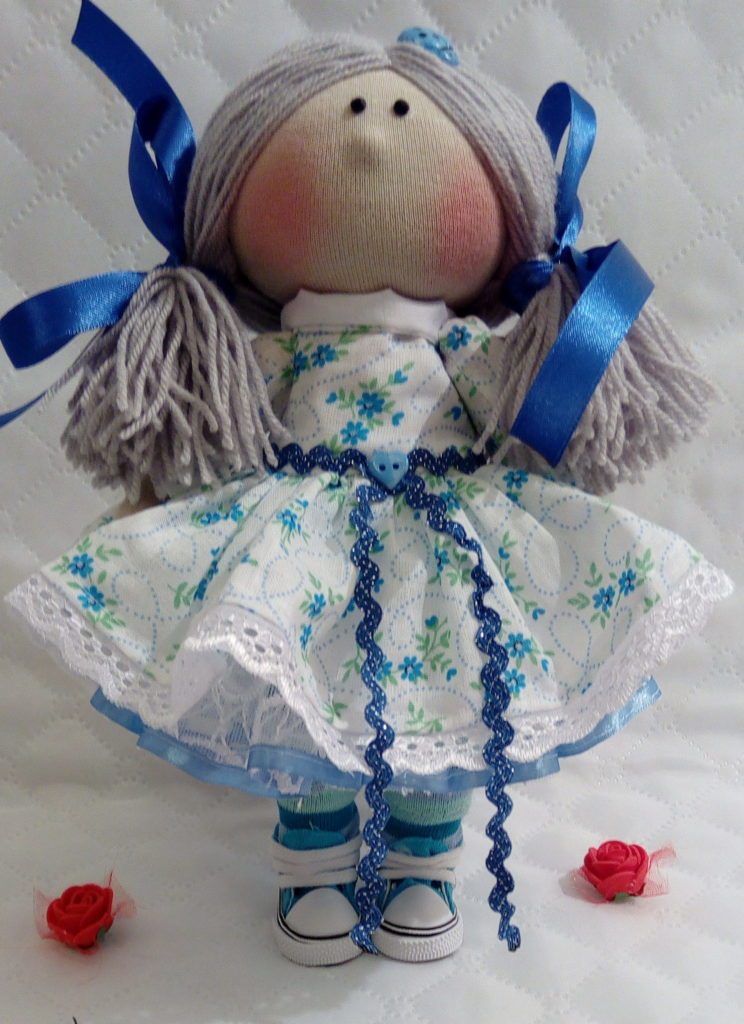 Текстильные куклы ручной работы. Фото. Куколка в голубом