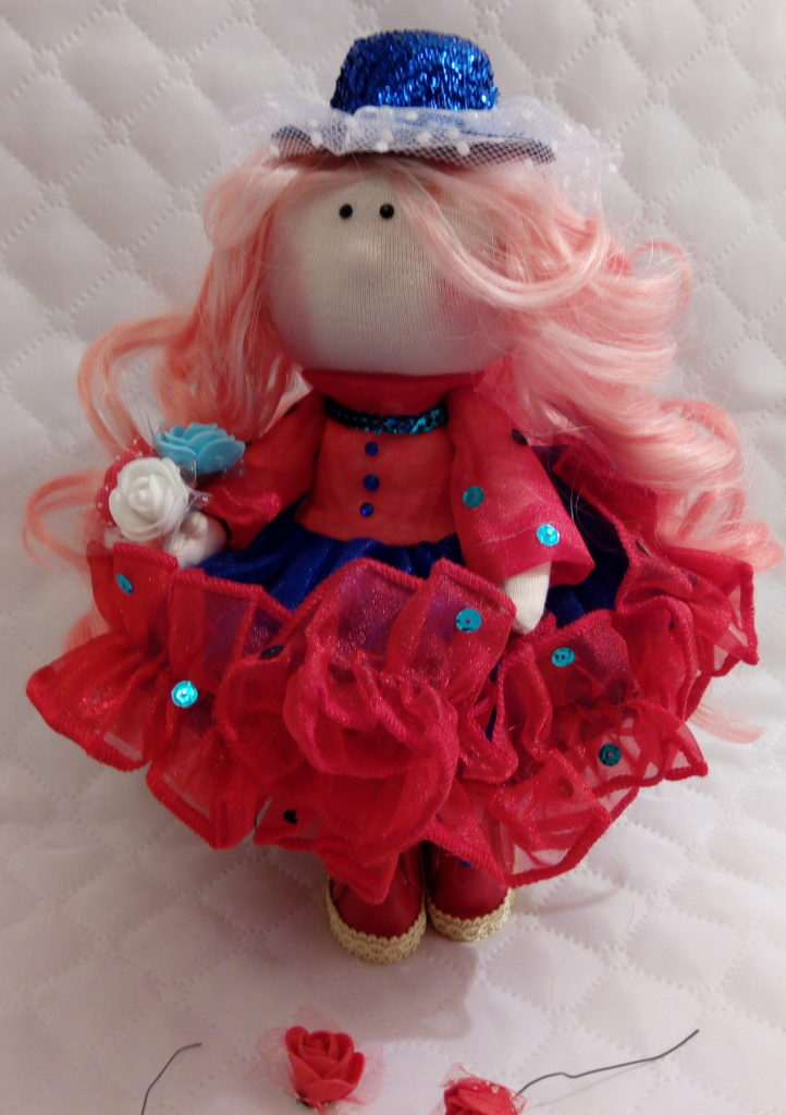 Текстильные куклы ручной работы. Фото. Кукла в шляпке