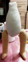Как пришить ноги текстильной кукле. Место крепления