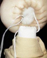 Как пришить голову текстильной кукле. Вводим иглу в голову