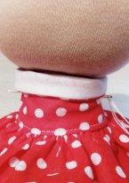 Как пришить руки текстильной кукле. Вводим иглу в туловище