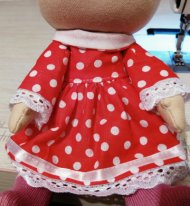 Как пришить руки текстильной кукле. Примерка