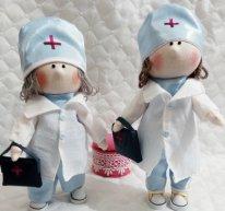 Текстильные куклы врачи. Фото