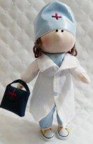 Текстильные куклы врачи