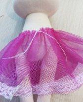 Как сшить юбку из фатина для кукол. Примерка