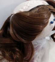 Как пришить трессы кукле с шапочкой